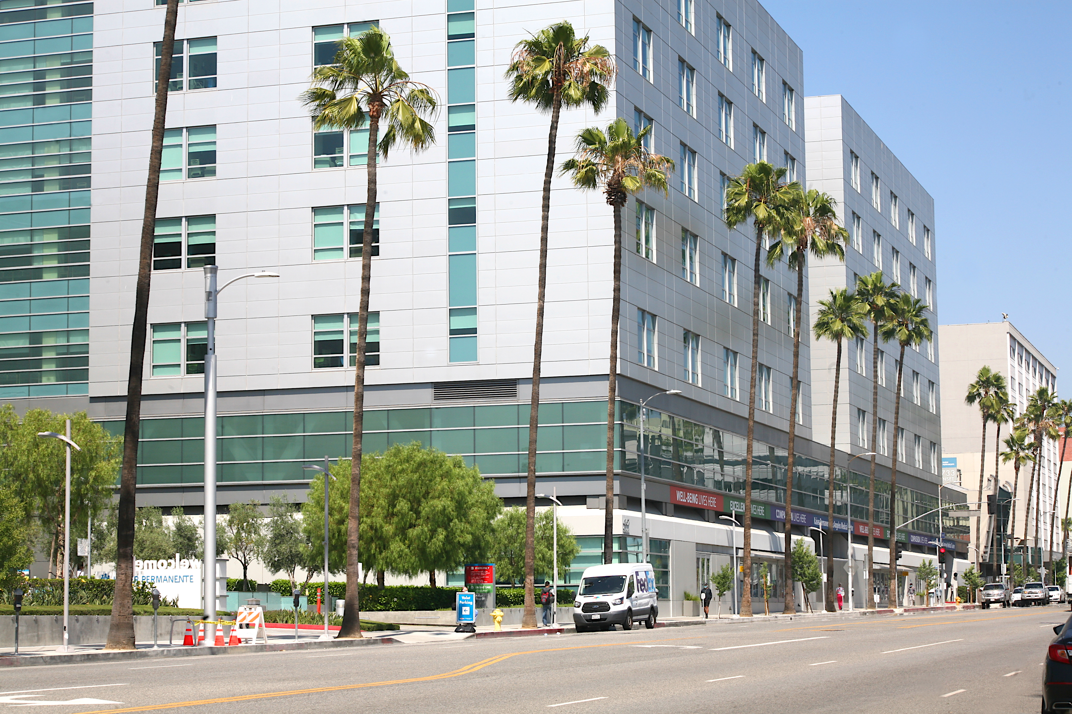 Kaiser Permanente Los Angeles Medical Center, from Sunset boulevard and Edgemont street